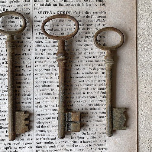 France antique key.b
