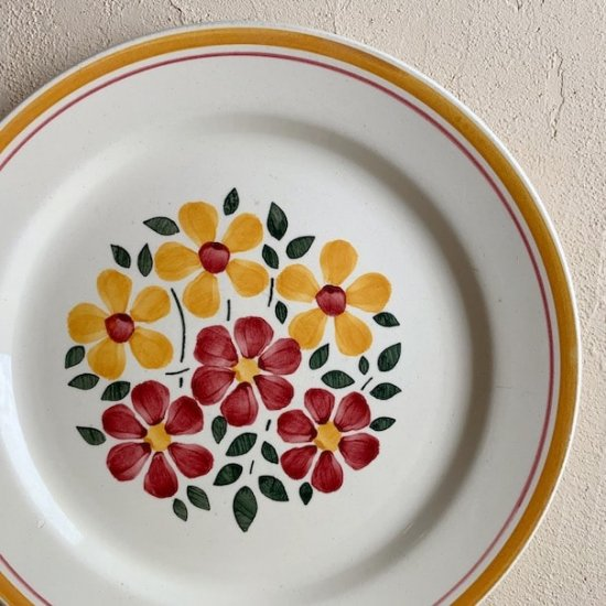 Antique flower plate.b
