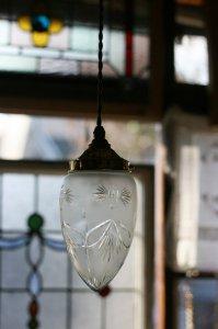 ガーランド風幾何学模様 ハンドカットのランプシェード