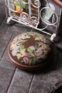 英国製 ヴィクトリアン 朝顔とポピーの刺繍 オットマン