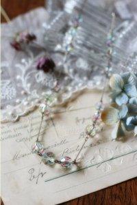 大人上品なアイリスガラス アンティーク ネックレス