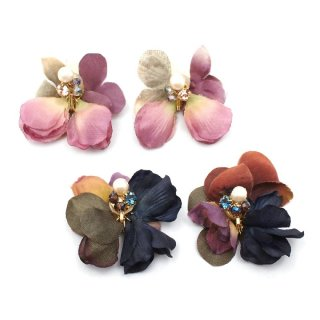 october flower イヤリング:zoule(ゾーラ)