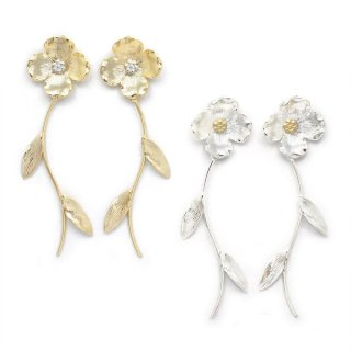 metallic flower イヤリング:zoule(ゾーラ)