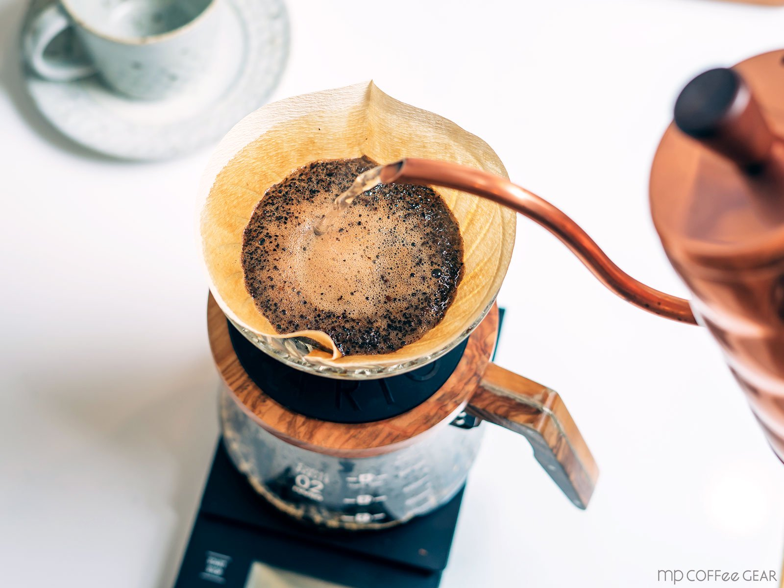 HARIO V60透過ドリッパー オリーブウッド02(1〜4杯用)【+ペーパーフィルター40枚プレゼント!】<img class='new_mark_img2' src='https://img.shop-pro.jp/img/new/icons1.gif' style='border:none;display:inline;margin:0px;padding:0px;width:auto;' />