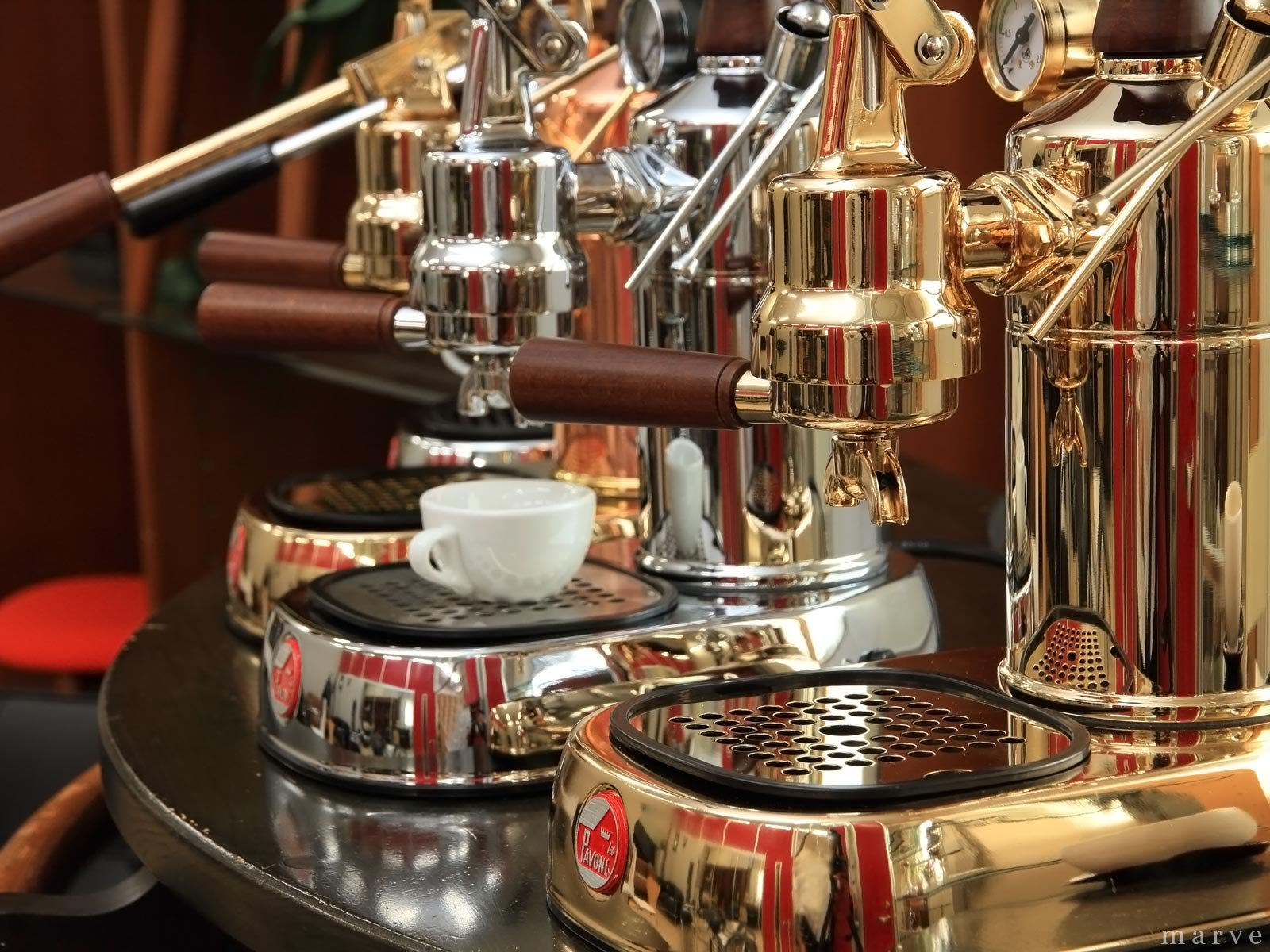 """la Pavoni パボーニ""""PROFESSIONAL""""PDH 【GOLD】ゴールドボディ エスプレッソマシン<img class='new_mark_img2' src='https://img.shop-pro.jp/img/new/icons16.gif' style='border:none;display:inline;margin:0px;padding:0px;width:auto;' />"""