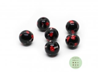 黒地に赤い毒キノコのプリントのアクリルビーズ(10mm×9.5mm)6個セット