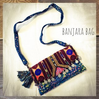 <img class='new_mark_img1' src='https://img.shop-pro.jp/img/new/icons1.gif' style='border:none;display:inline;margin:0px;padding:0px;width:auto;' />Banjara vintage bag * ラリーキルト x クチ族コイン #1《2wayクラッチ・ショルダー》