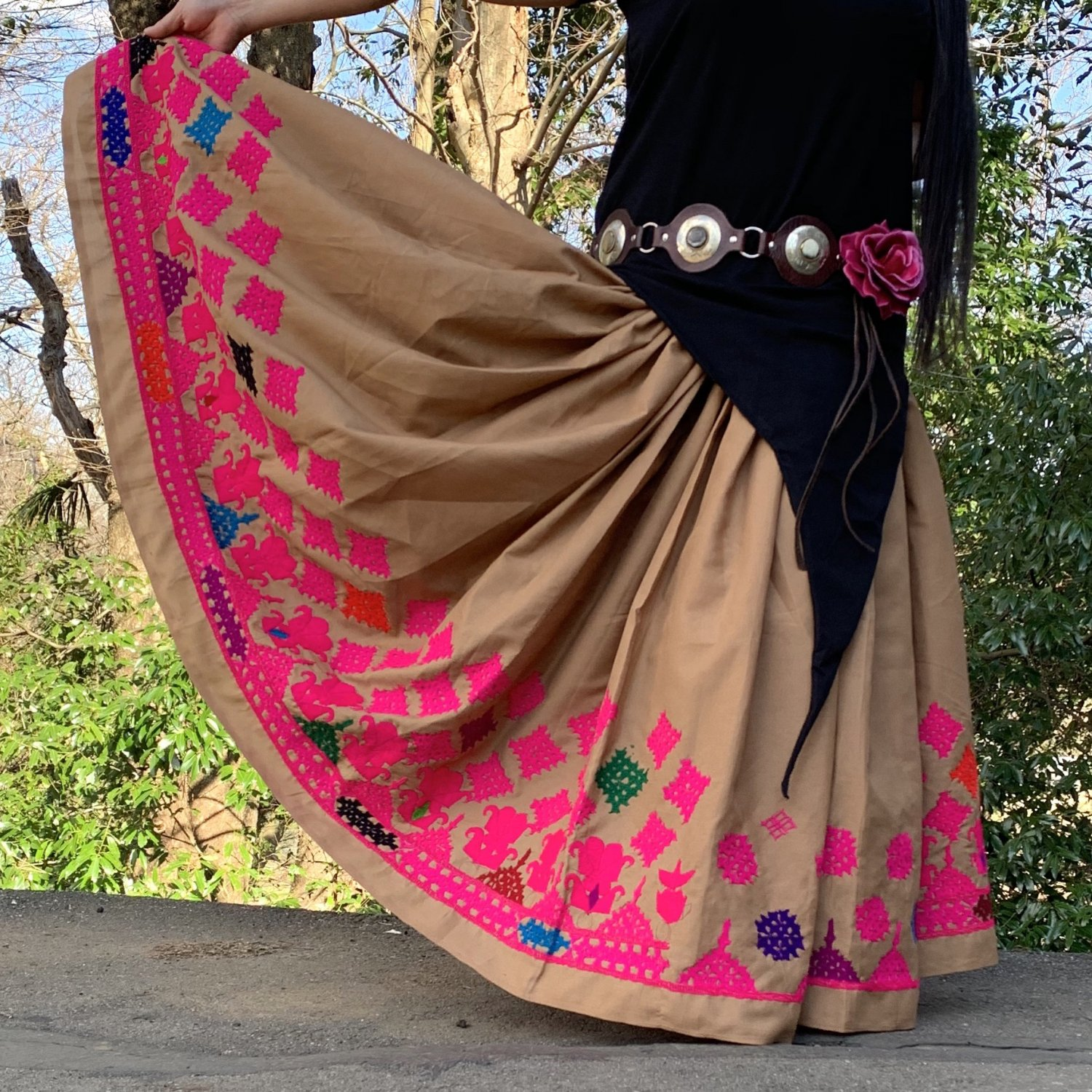 Rajasthani gypsy skirt #002* vintage * ラジャスタン刺繍スカート バンジャラ《ベージュxピンク》<img class='new_mark_img2' src='https://img.shop-pro.jp/img/new/icons20.gif' style='border:none;display:inline;margin:0px;padding:0px;width:auto;' />