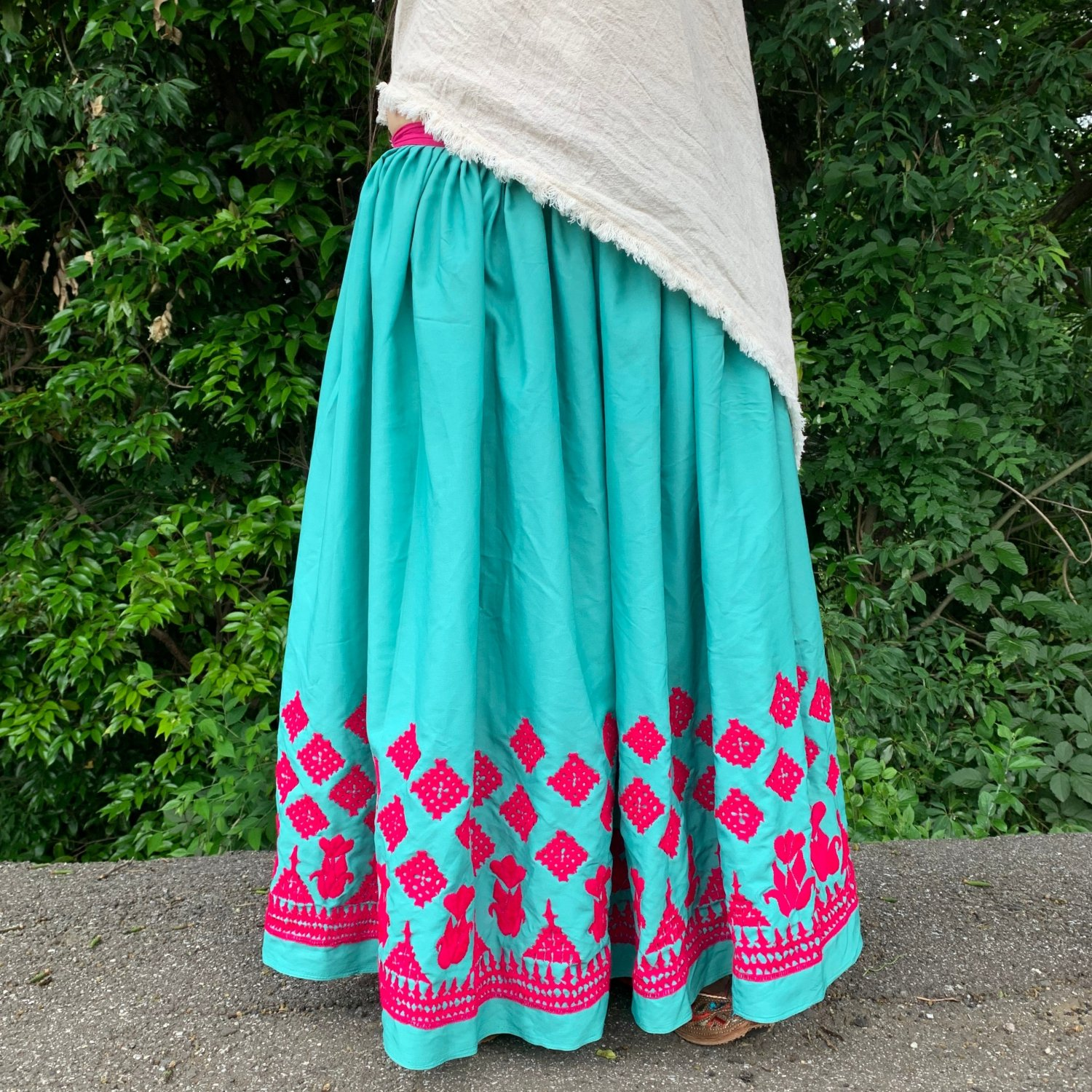 <img class='new_mark_img1' src='https://img.shop-pro.jp/img/new/icons1.gif' style='border:none;display:inline;margin:0px;padding:0px;width:auto;' />Rajasthani gypsy skirt #* vintage * インド刺繍スカート バンジャラ《ミント》
