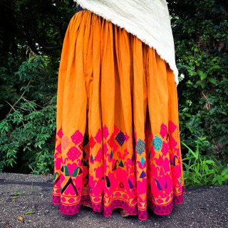 <img class='new_mark_img1' src='https://img.shop-pro.jp/img/new/icons1.gif' style='border:none;display:inline;margin:0px;padding:0px;width:auto;' />Rajasthani gypsy skirt #* vintage * インド刺繍スカート バンジャラ《マスタード》
