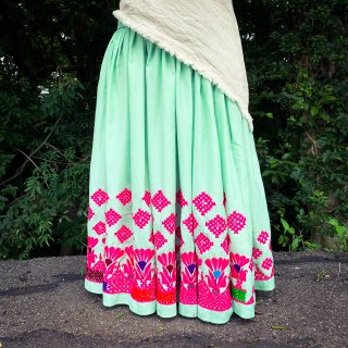 <img class='new_mark_img1' src='https://img.shop-pro.jp/img/new/icons1.gif' style='border:none;display:inline;margin:0px;padding:0px;width:auto;' />Rajasthani gypsy skirt #* vintage * インド刺繍スカート バンジャラ《ミント2》