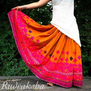 Rajasthani gypsy skirt #21* vintage * インド刺繍スカート バンジャラ《マスタードxテラコッタ》<img class='new_mark_img2' src='https://img.shop-pro.jp/img/new/icons20.gif' style='border:none;display:inline;margin:0px;padding:0px;width:auto;' />