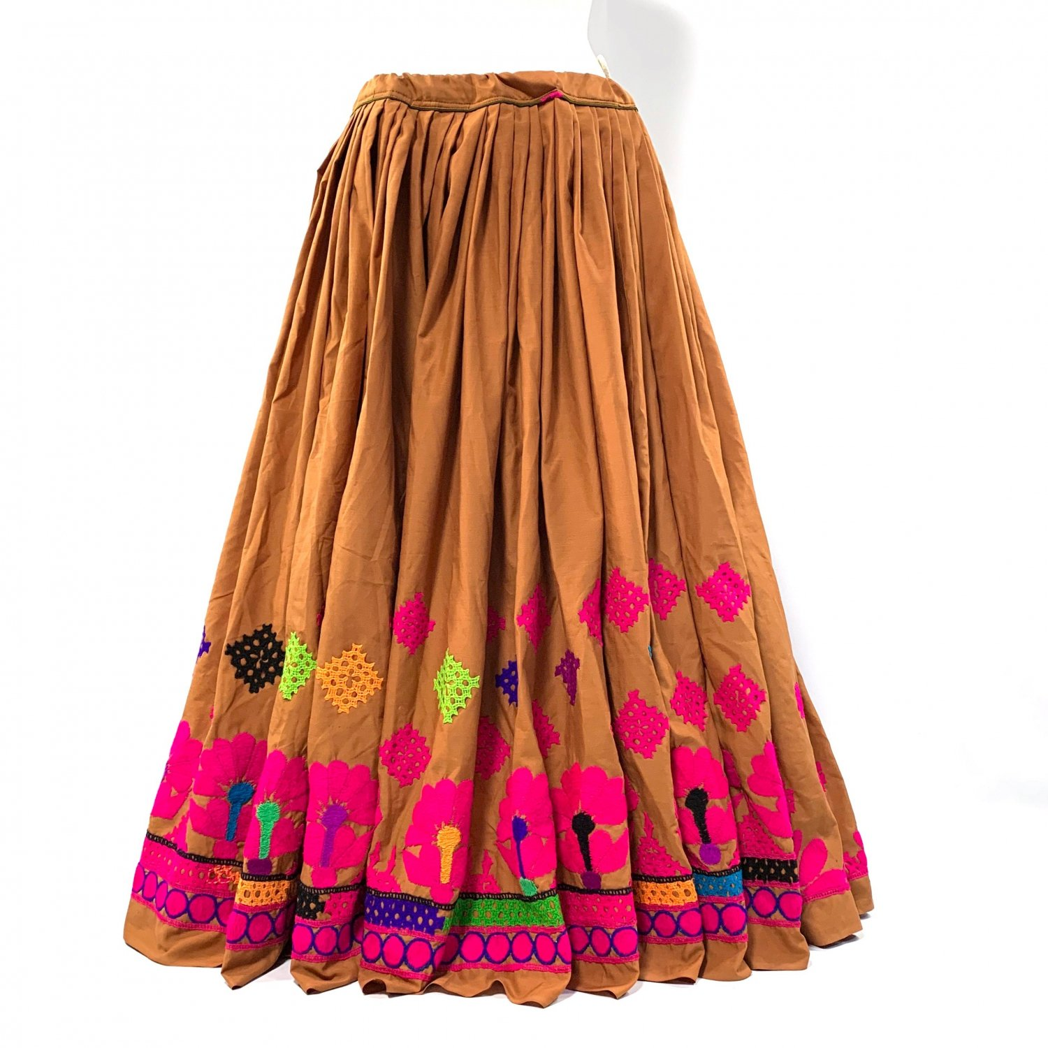 <img class='new_mark_img1' src='https://img.shop-pro.jp/img/new/icons1.gif' style='border:none;display:inline;margin:0px;padding:0px;width:auto;' />Kutch gypsy skirt #40 *vintage * カッチ刺繍スカート バンジャラ《オーカー》