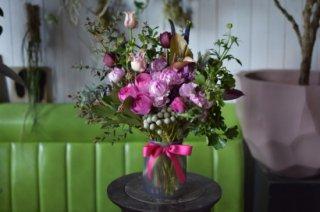季節の花束【フラワーベース付】