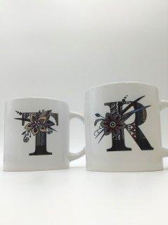 イニシャルマグカップ エスニック体