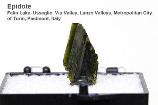 エピドート 結晶石 イタリア産|Falin Lake, Usseglio, Viu Valley, Piedmont, Italy|Epidote|
