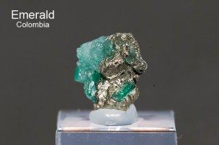 エメラルド 結晶石 コロンビア産|Muzo, Western Emerald Belt, Boyaca, Colombia|緑柱石|Emerald|2755A|