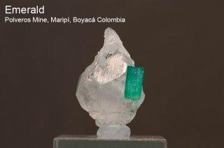 エメラルド on カルサイト 結晶石 コロンビア産 Polveros Mine, Maripi, Boyaca Colombia 緑柱石 Emerald 137C 