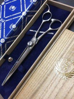 【美品】ナルトシザー ニューハイボン マチックライン� 6.8インチ 片剣刃 カットシザー