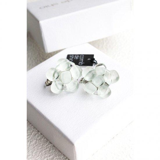 お花シリーズ・ガラスイヤリング「WHITE FLOWERS」|箱付