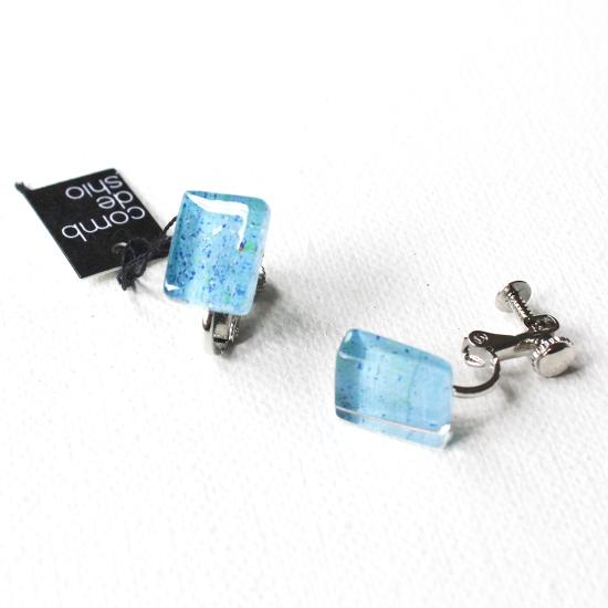 ペインティングシリーズ・1点ものガラスイヤリング・プチ「blue blue sky」|箱付