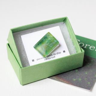 伊勢志摩シリーズ・1点ものガラスラペルピン「森/Forest」|箱付|男女兼用