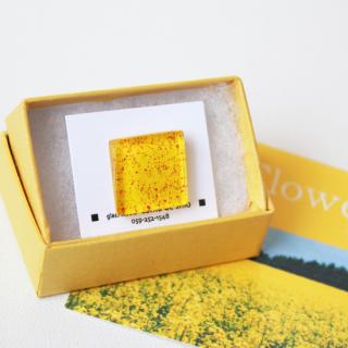 伊勢志摩シリーズ・1点ものガラスラペルピン「花/Flower」|箱付|男女兼用