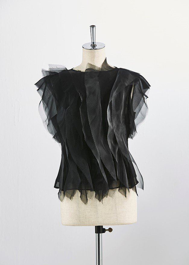 Lengthwise line layer frilled tops