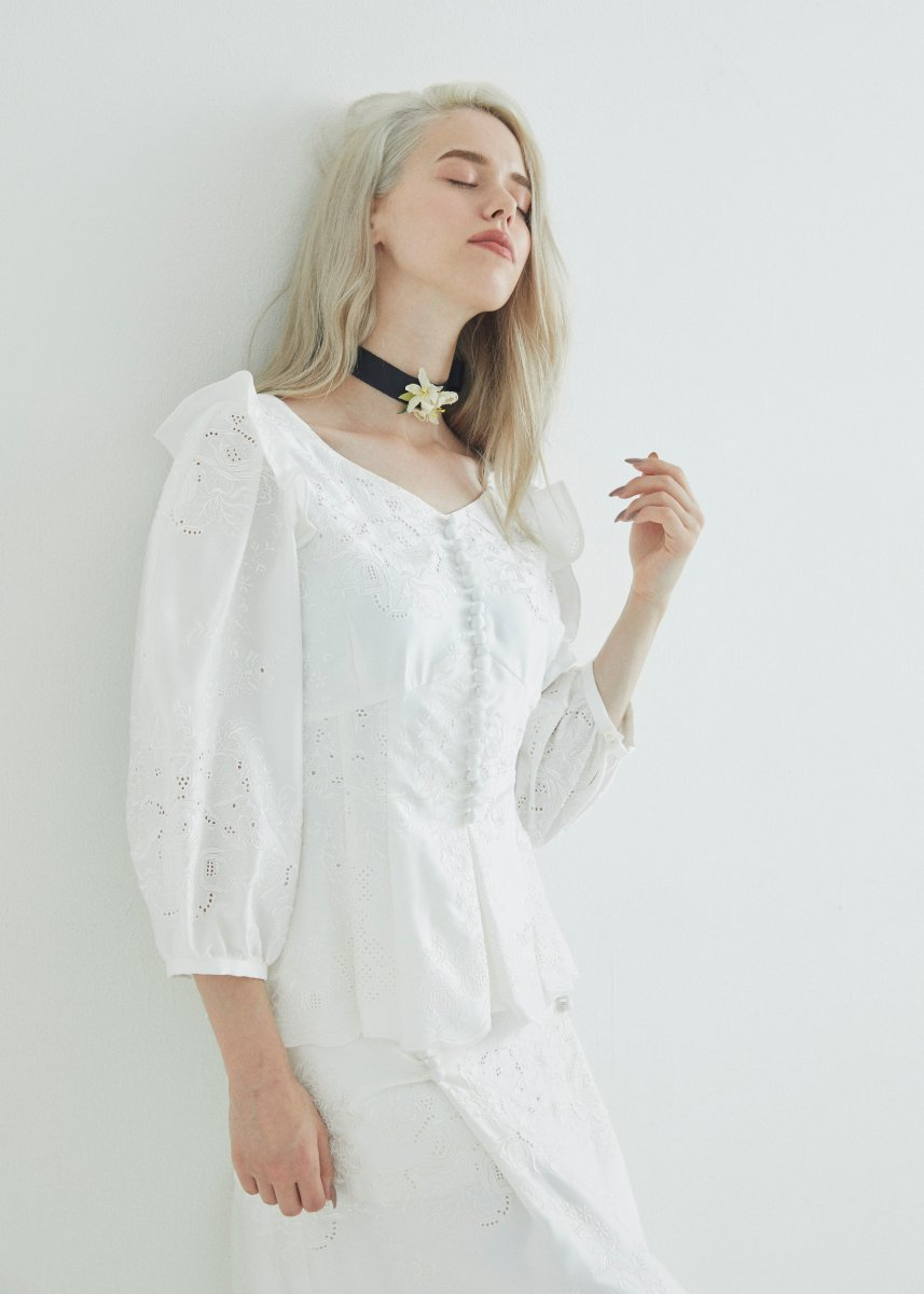 Flower embroidery front button blouse