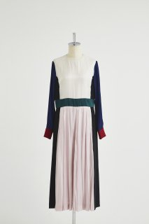 Color panel tucks dress
