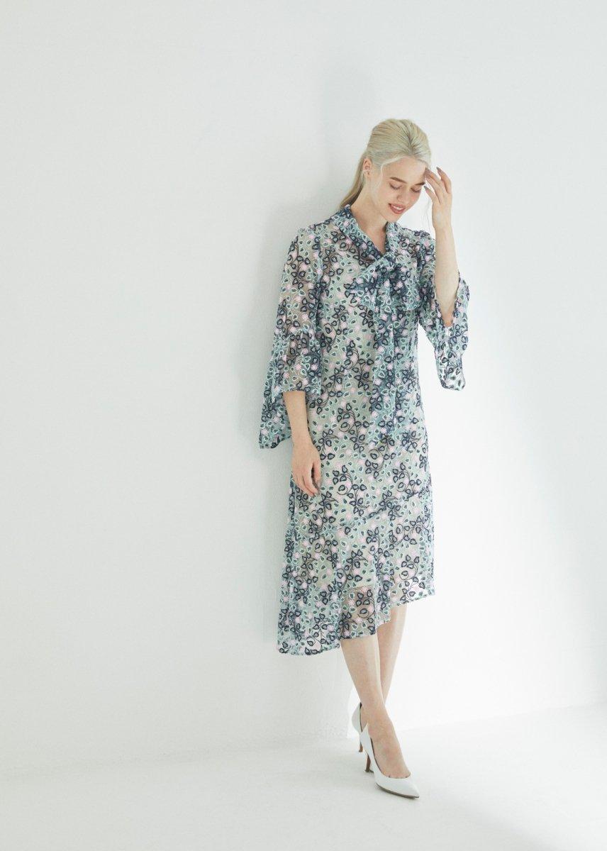 Shawl ribbon dress