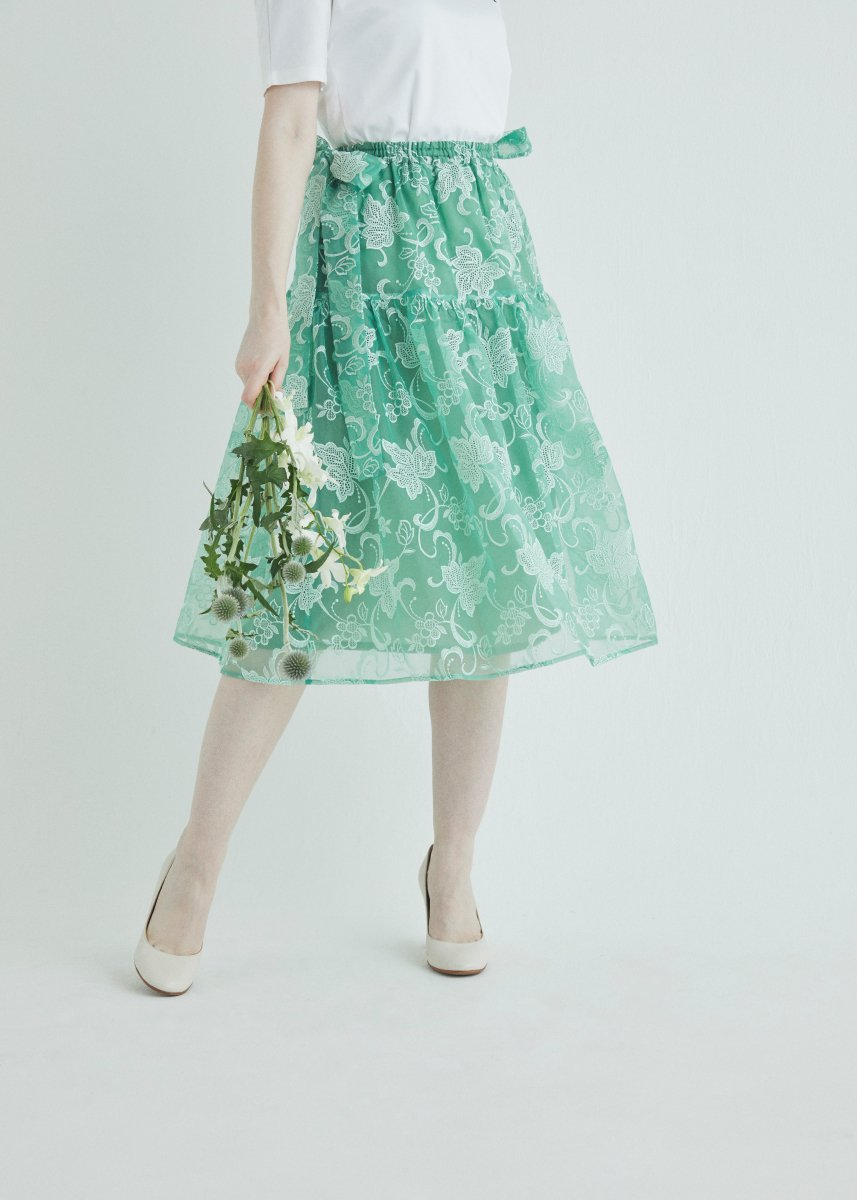 Side ribbon tiered skirt