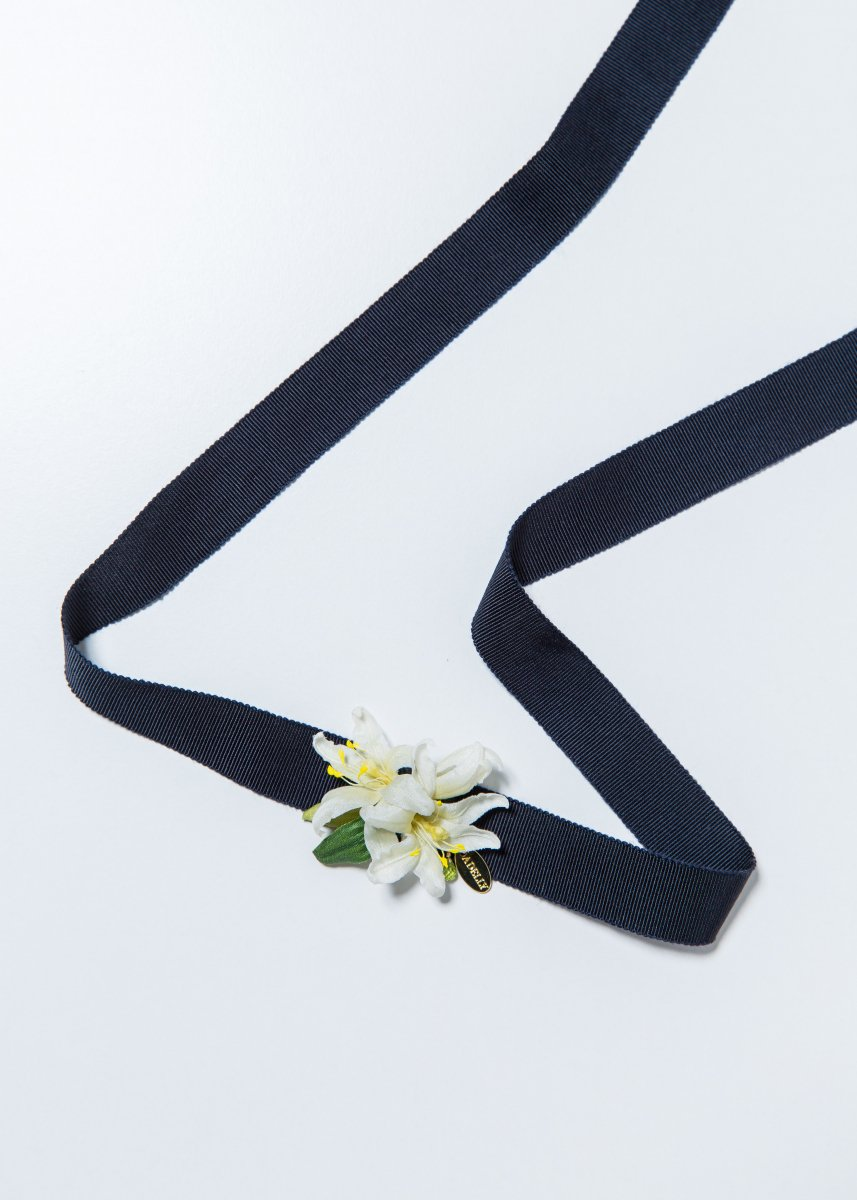 <img class='new_mark_img1' src='https://img.shop-pro.jp/img/new/icons1.gif' style='border:none;display:inline;margin:0px;padding:0px;width:auto;' />Petit lily choker (2way)