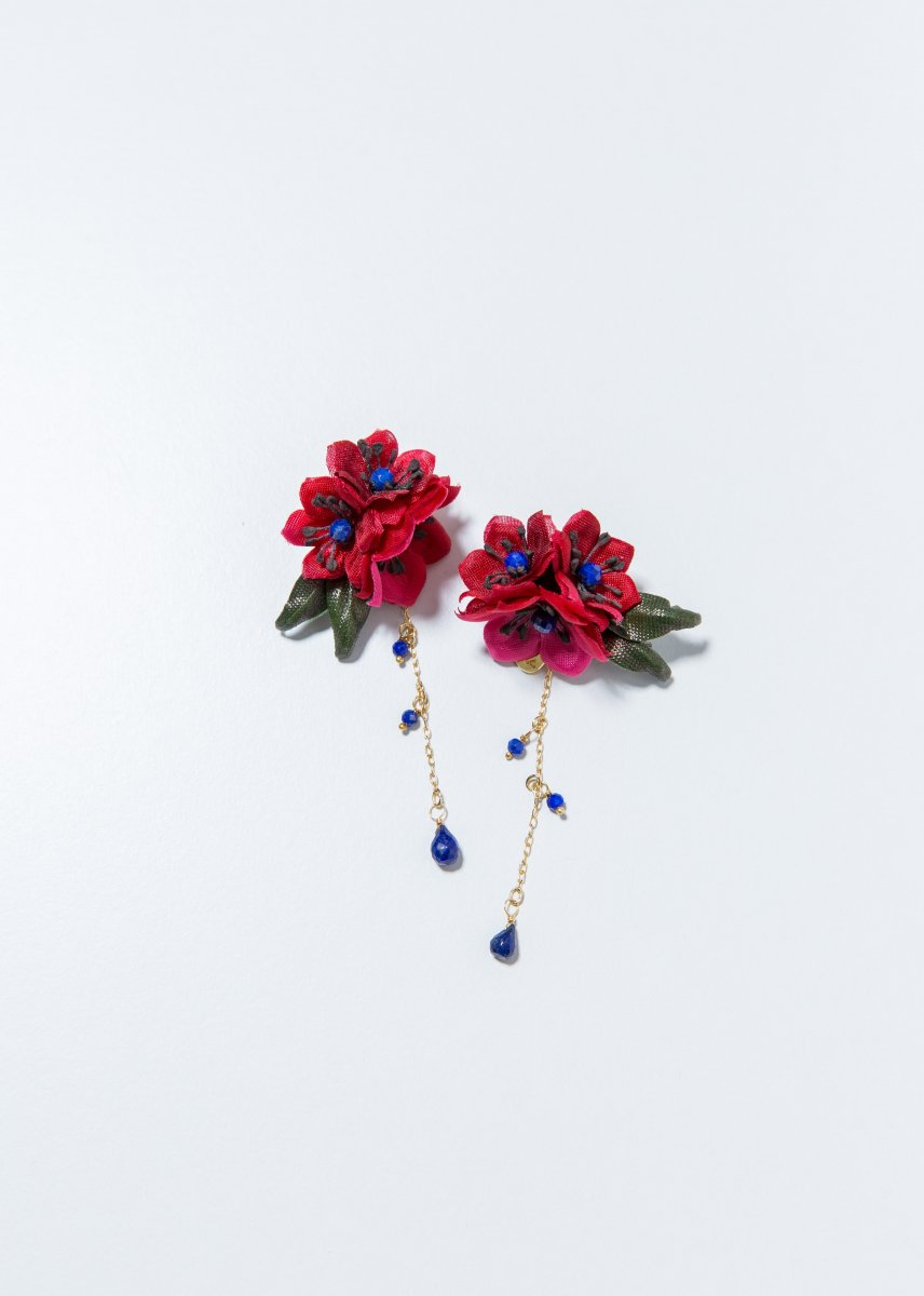 <img class='new_mark_img1' src='//img.shop-pro.jp/img/new/icons1.gif' style='border:none;display:inline;margin:0px;padding:0px;width:auto;' />【PRE-ORDER】 Red flower pierce (2way)