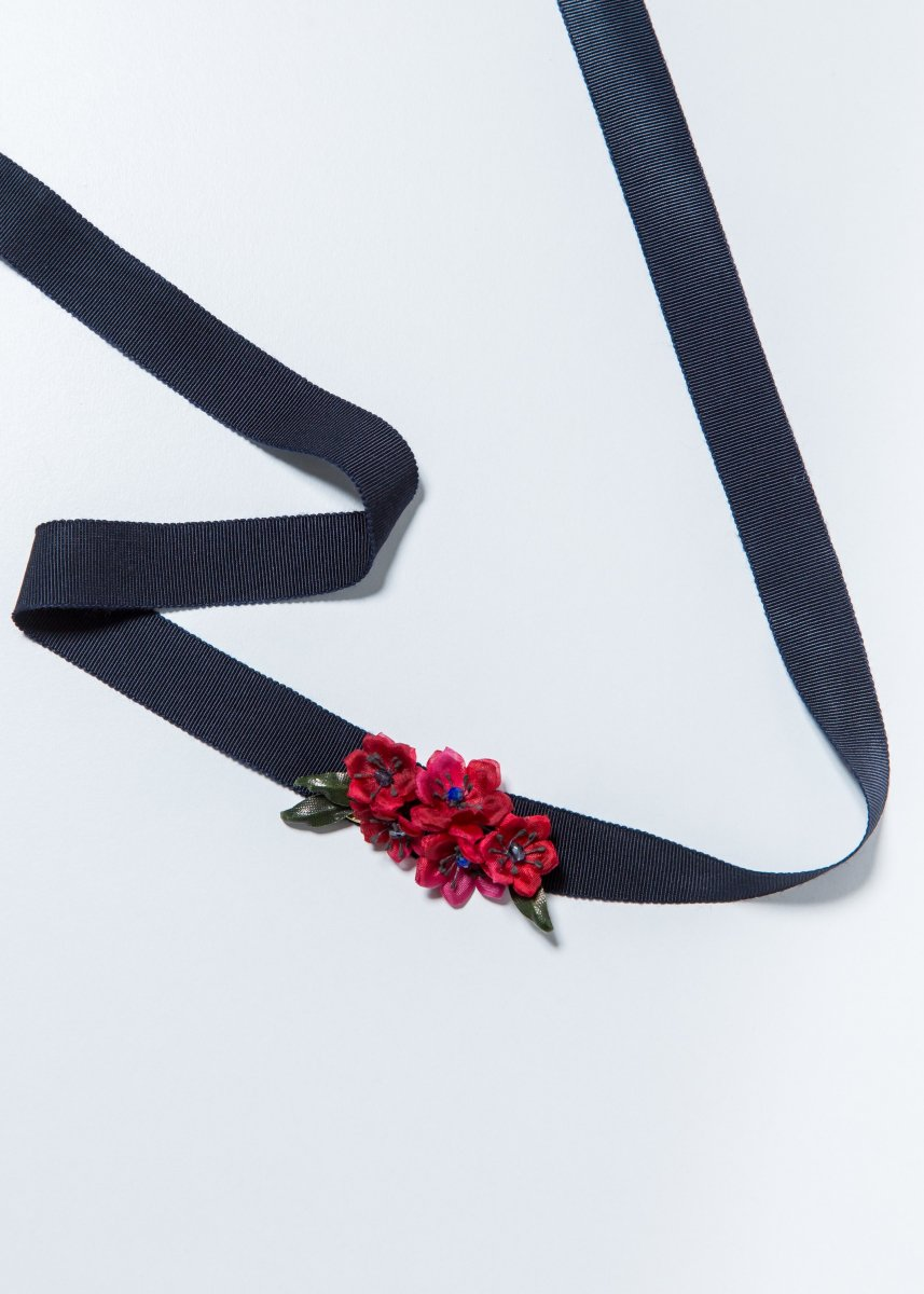 <img class='new_mark_img1' src='//img.shop-pro.jp/img/new/icons1.gif' style='border:none;display:inline;margin:0px;padding:0px;width:auto;' />【PRE-ORDER】 Red flower choker (2way)