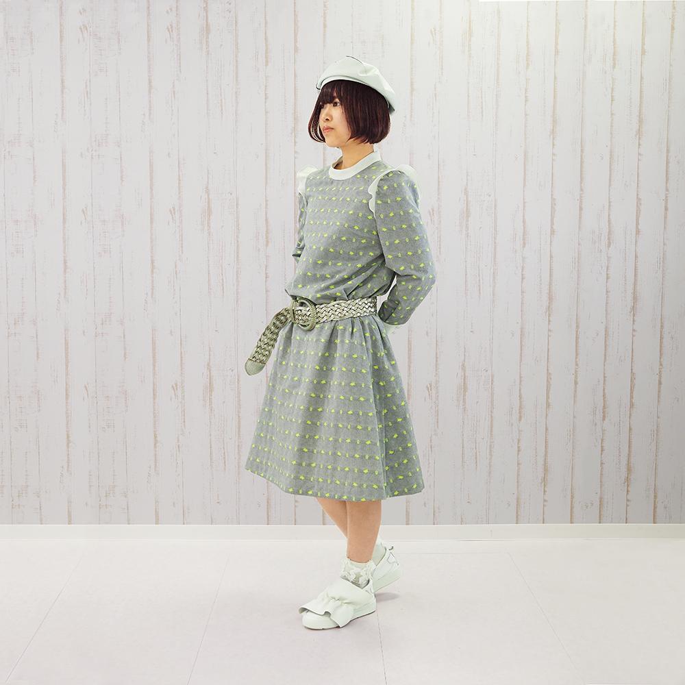 【もしもしカメよ】フランス製ジャカード☆ミニスタンド衿ワンピース(ネオンカメジャカード)