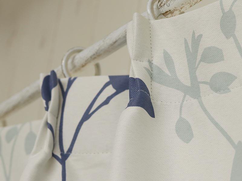100サイズから選べる!お洒落な北欧デザインのフラワー柄カーテン 『ロペス ブルー』