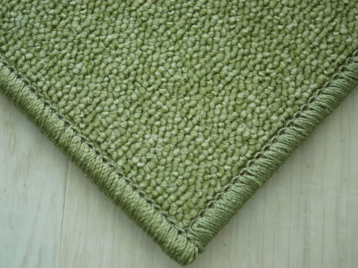 緑のカーペット