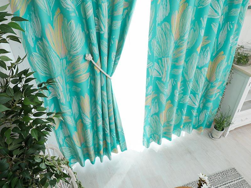 100サイズから選べる!かすれたクロッカスモチーフがお洒落な日本製ドレープカーテン『クロッカス ブルー』