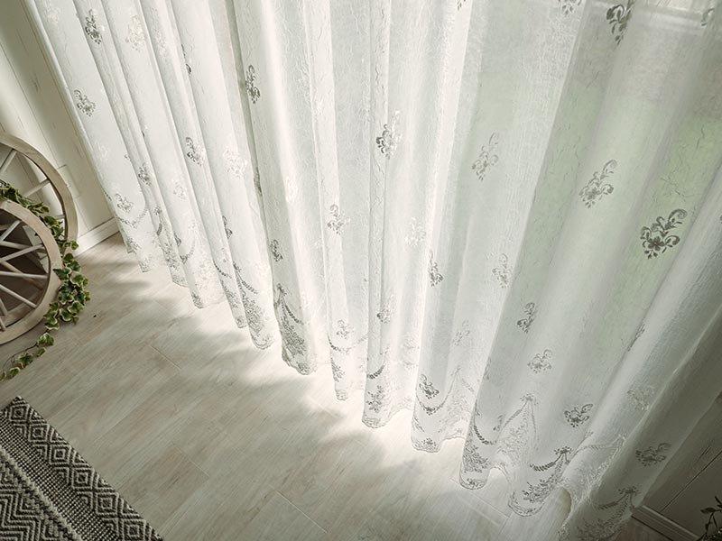 ウォッシャブル対応!スカラップレースとオーナメント風の花柄刺繍が上品な日本製レースカーテン『ルミネPX』