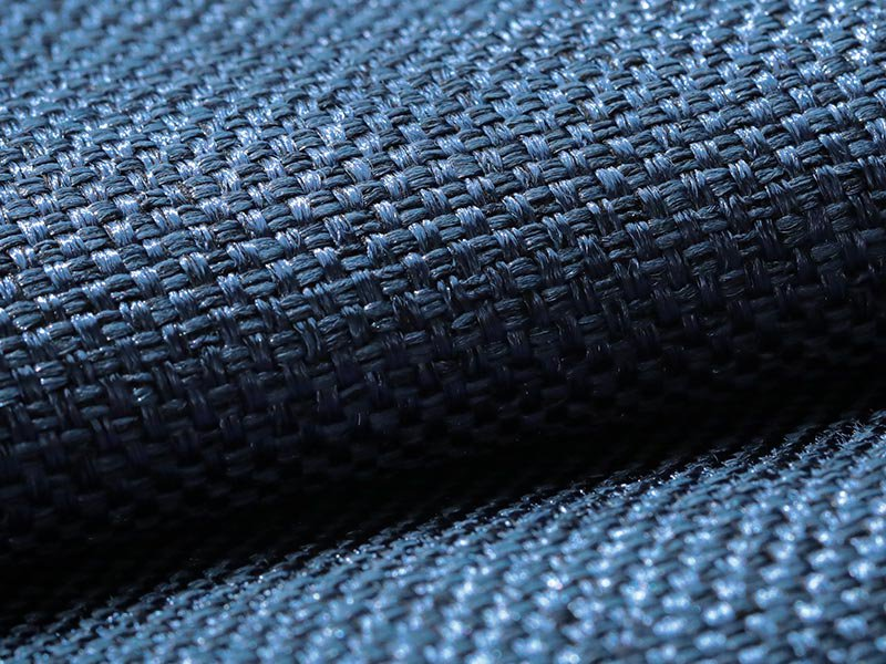 風合い豊かな織り地で仕上げた日本製の遮光ドレープカーテン 『メロウ  ネイビーブルー』