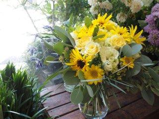 季節のフラワーブーケ(花瓶に飾るタイプ)