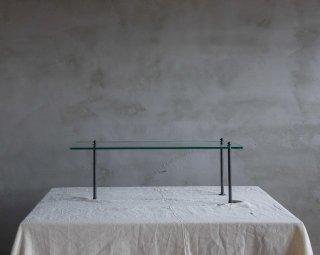 ガラス板の展示台