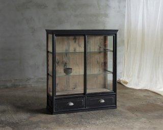 黒色の4面ガラスケース