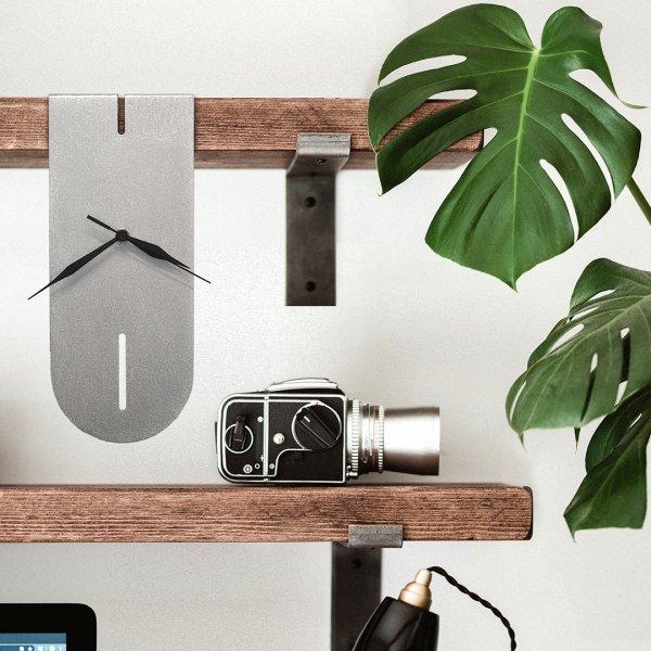 Salvador Clock