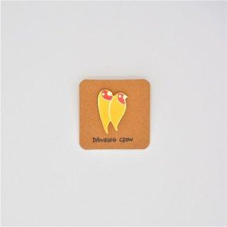 黒山 Yellow Birds Metal Pin