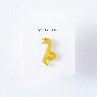 yosico ひとつぶピアス ヘビ緑