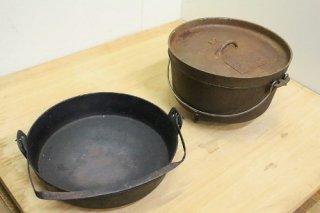 古民家の囲炉裏端にあった鉄鍋とダッヂオーブンのセット 送料別Dサイズ ●00020