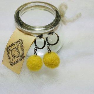 豊栄羊毛のイヤリング(マリーゴールド黄色)