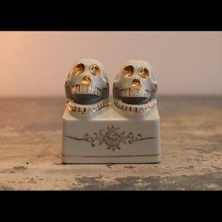 VINTAGE SKULL NODDERS SALT AND PEPPER SHAKERS 1950's